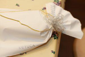 KEYUCAの絹のネックウォーマー