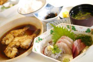 やまやの煮付けと地魚お刺身セット