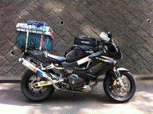 ソロキャンプの荷物を搭載!