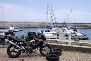 ヨットとバイクのツーショット
