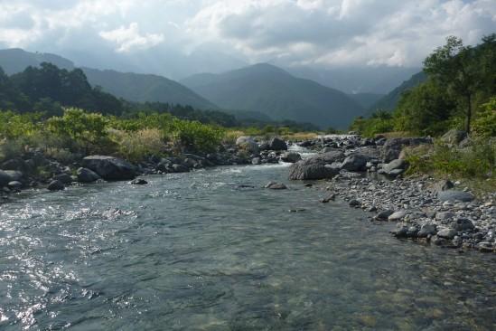 白馬アルプスオートキャンプ場の横の川