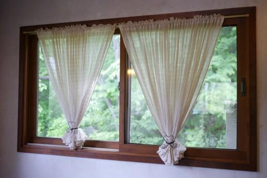 自然派レストラン美咲小舎のカーテン