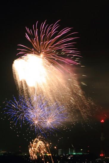 キャンプ座間の盆踊りの花火 (4)