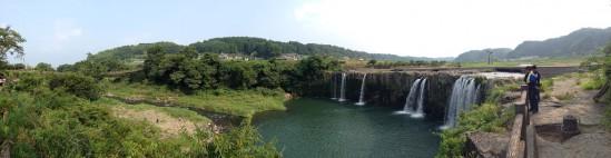 原尻の滝のパノラマ