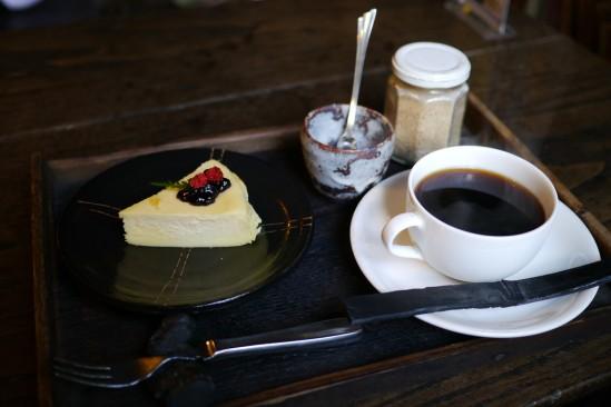 河津七滝の隠れ家レストラン ひぐらしのケーキセット