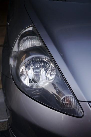 BLUE MAGIC Headlight Lens Restorerでヘッドライトクリーニング (2)
