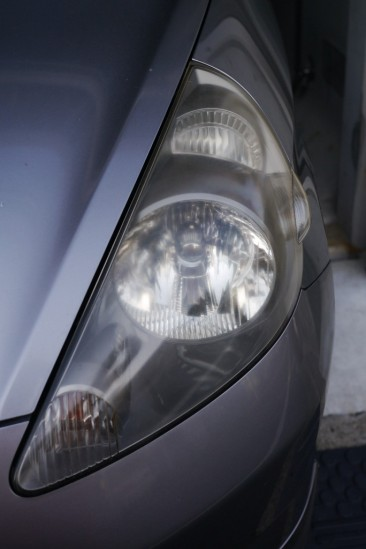 BLUE MAGIC Headlight Lens Restorerでヘッドライトクリーニング (3)