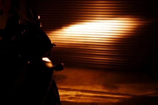 バイクのヘッドライトバルブをHIDからLEDに変更 (13)