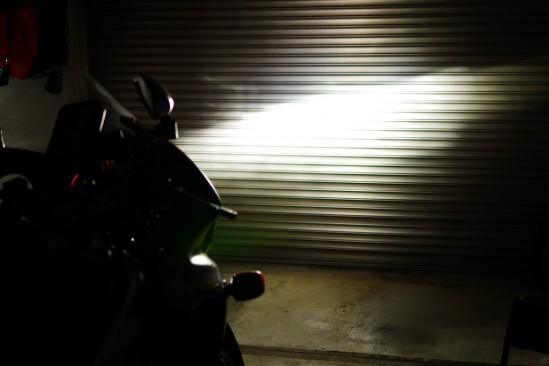 バイクのヘッドライトバルブをHIDからLEDに変更 (14)